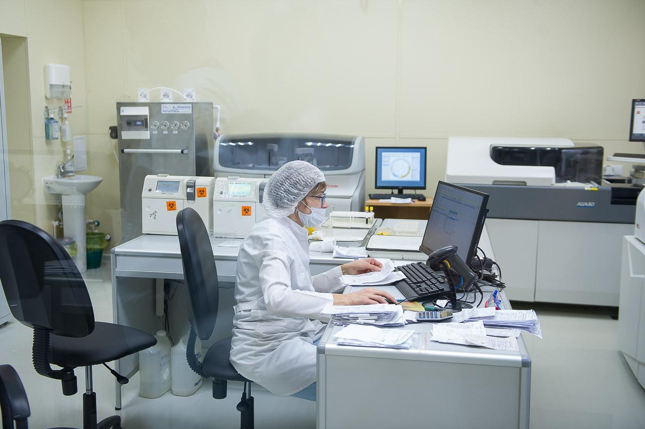 Благодаря новому оборудованию врачи могут быстрее узнать результаты анализов ипоставить диагноз
