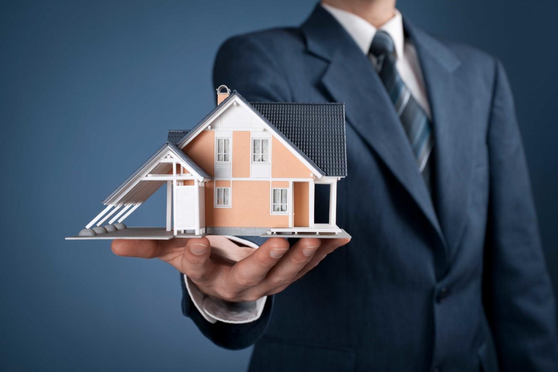 как найти юриста по недвижимости