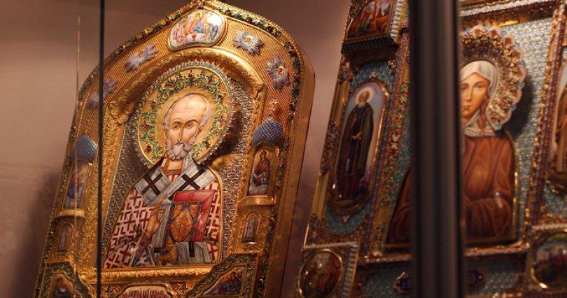 Полицейские вернули пенсионеру изЮрюзани похищенную икону 19-го века