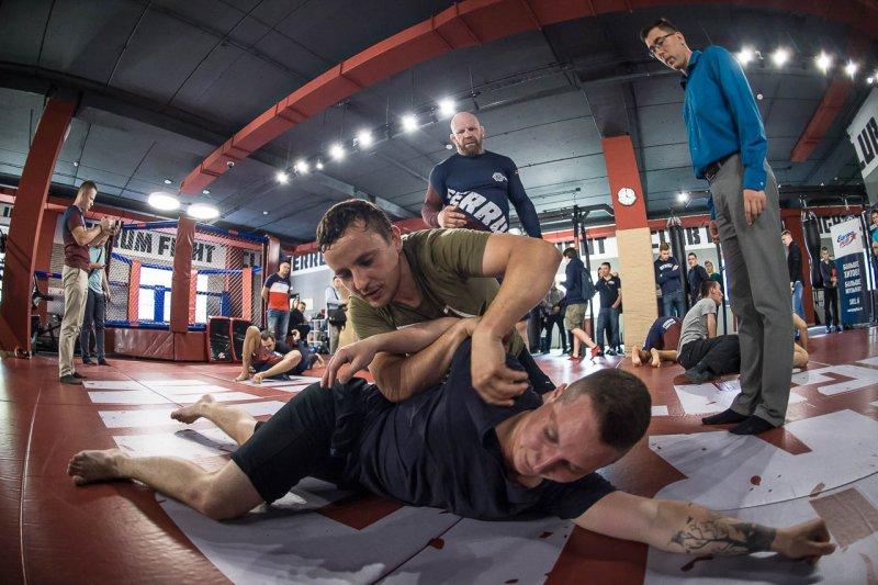Джефф Монсон стремится вдохновить молодых бойцов напобеду над собой