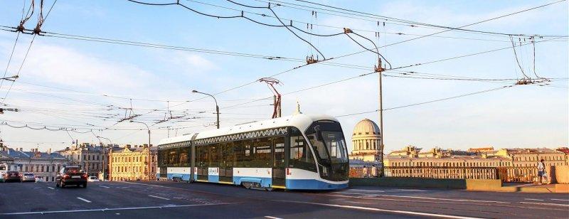 В Челябинск на тест привезли трамвай из Москвы