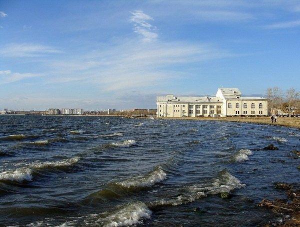 Челябинские чиновники выделили под застройку дно озера Смолино